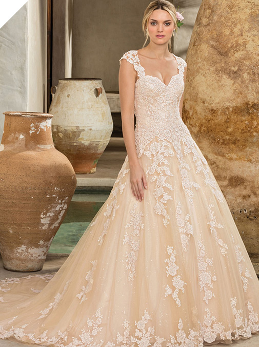Chic Tulle Sweetheart Neckline A-line Wedding Dress With Beaded Lace Appliques
