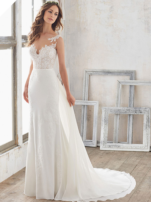 Charming Tulle & Scoop Neckline A-Line Wedding Dresses With Handmade Flowers